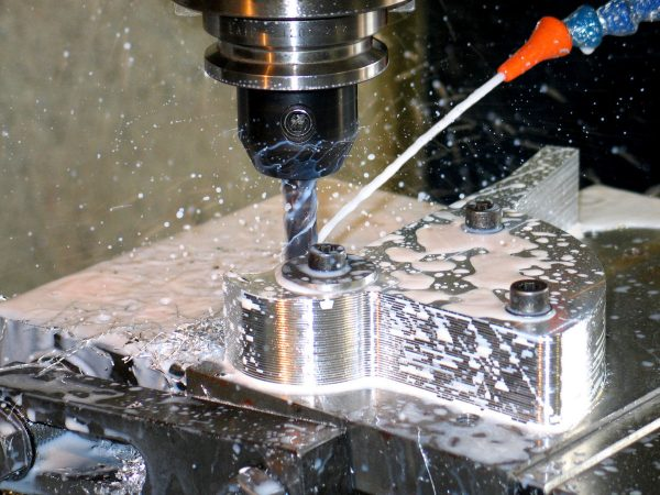Benefits of Using CNC machines in Manufacturing Processes